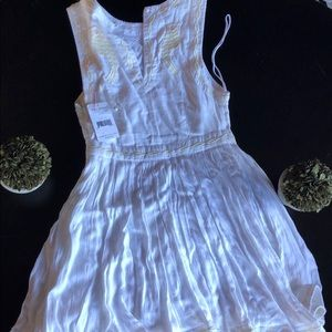 gorgeous white FREE PEOPLE dress with embroidery